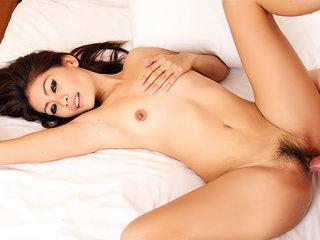 Gorgeous Thai stunner Lita gets some stiff chisel