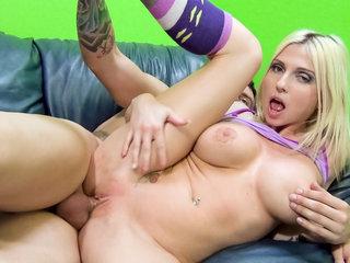 Blonde christie Stevens loves to..